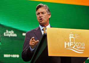 Manitoba Premier Gary Doer rallies the NDP faithful during his speech to the federal convention.