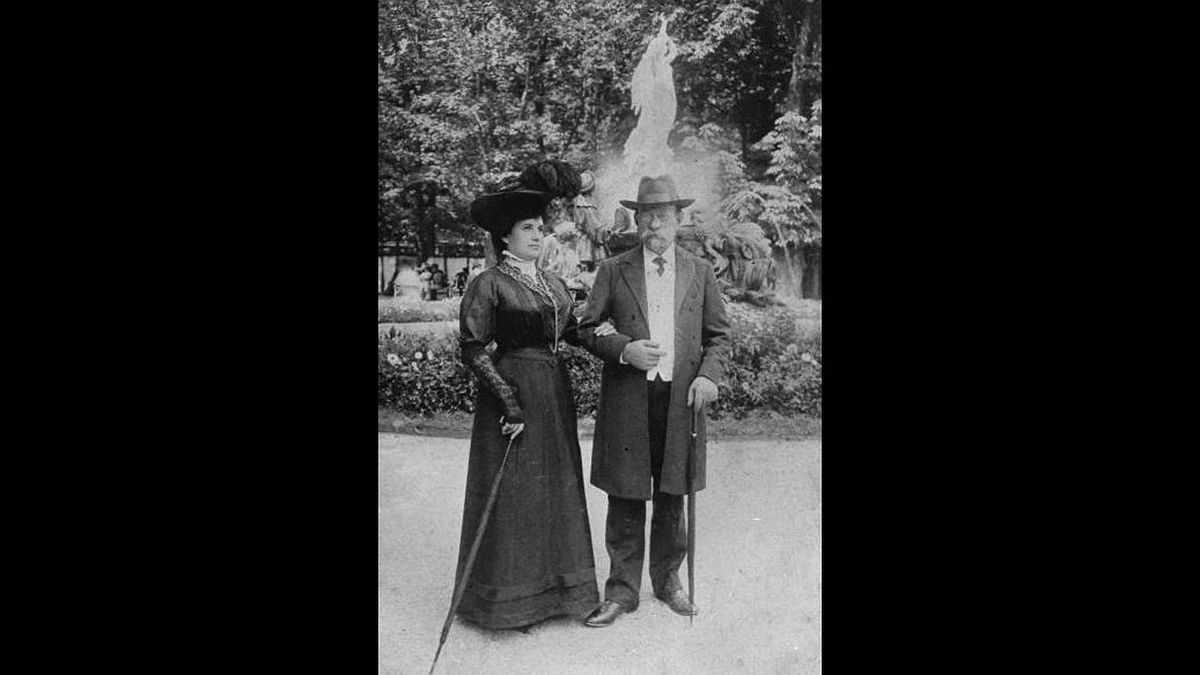 Sofia Silberberg photo: Tini and Arnold - My great-great grandparents. This picture was taken in Vienna, circa 1912