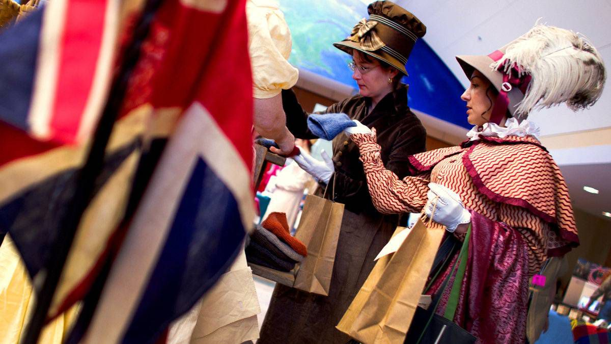 Historical Interpreters from the Fort George National Historic Site, Elizabeth LeBlanc, left, and Sonia Steckley, do some shopping during a break at the symposium.