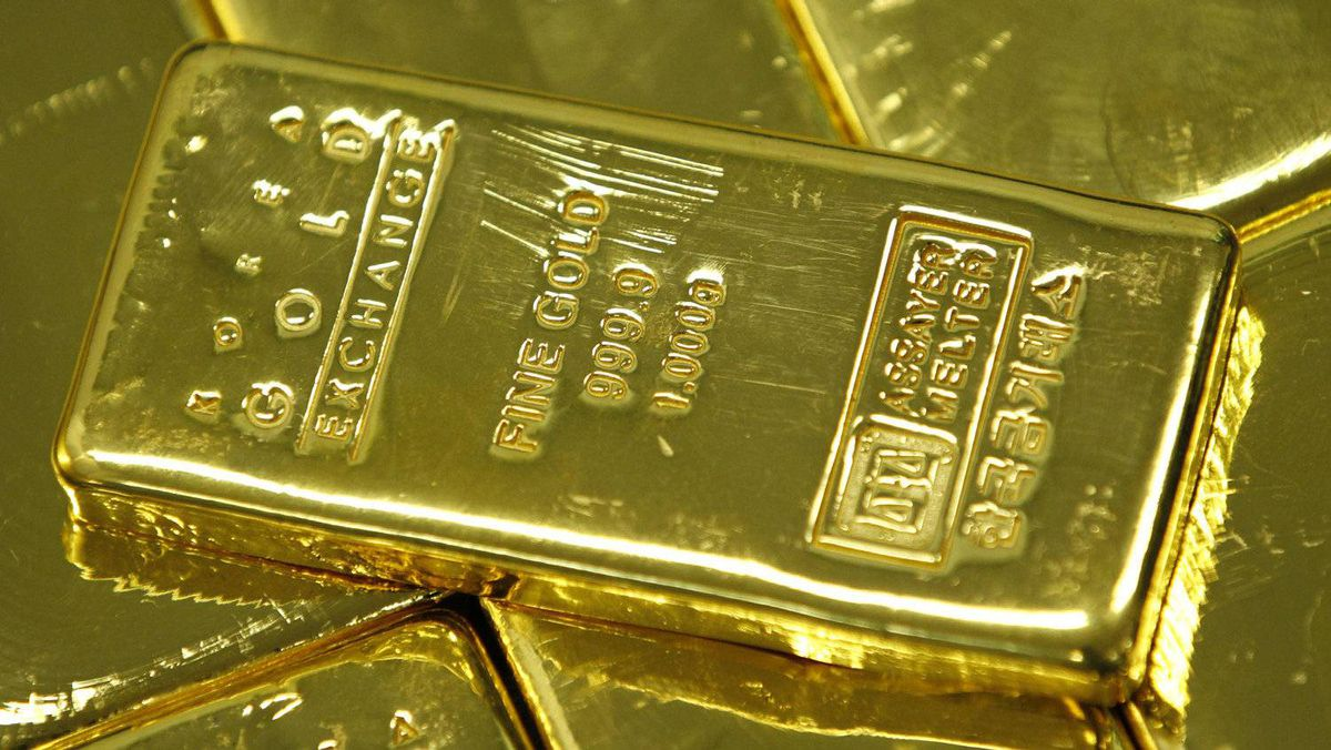 Gold purchases leaped to more than 18 million ounces over the past month – from 8.4 million for the entire year up to July, according to data from the U.S. Commodity Futures Trading Commission.