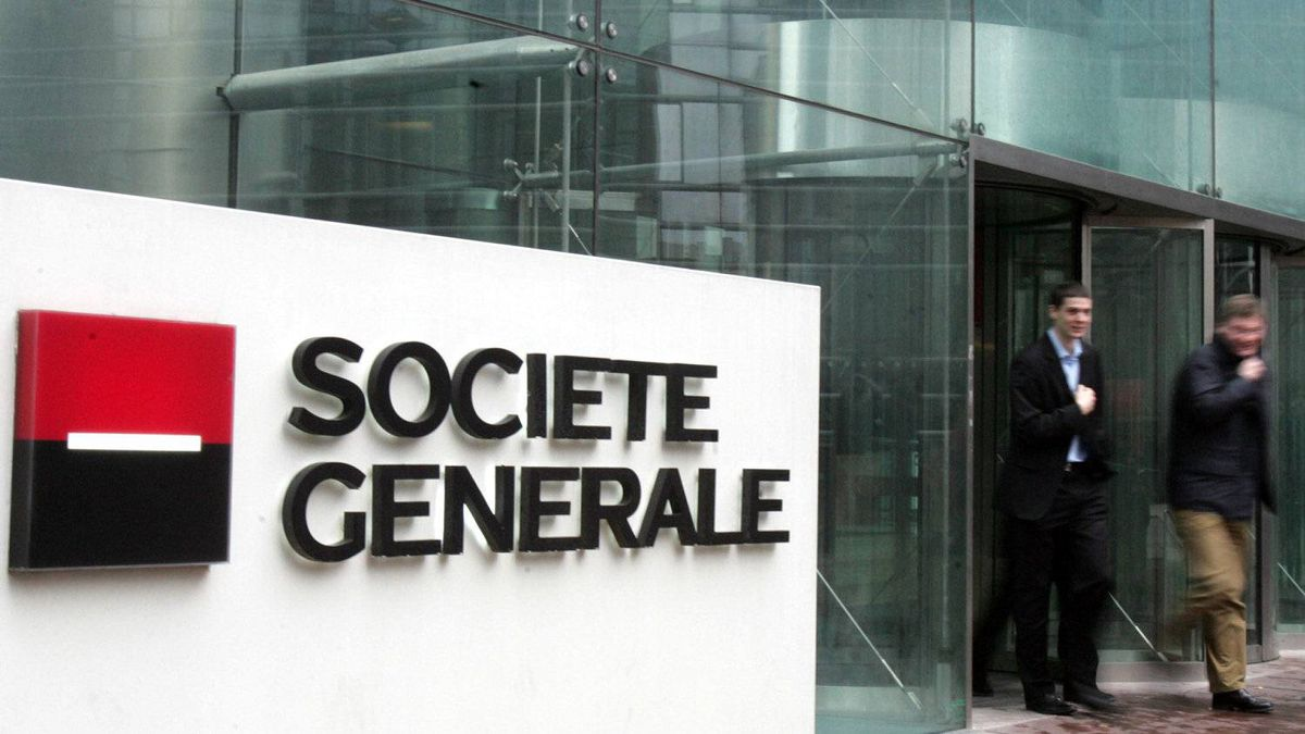 Shares in French bank Société Générale SA hit their lowest point in two and a half years Wednesday, sinking 15 per cent.