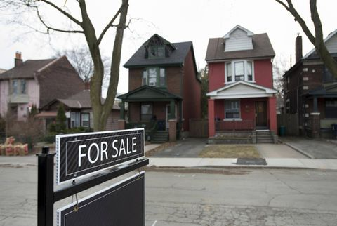 Canada's housing market expected to cool further in 2017