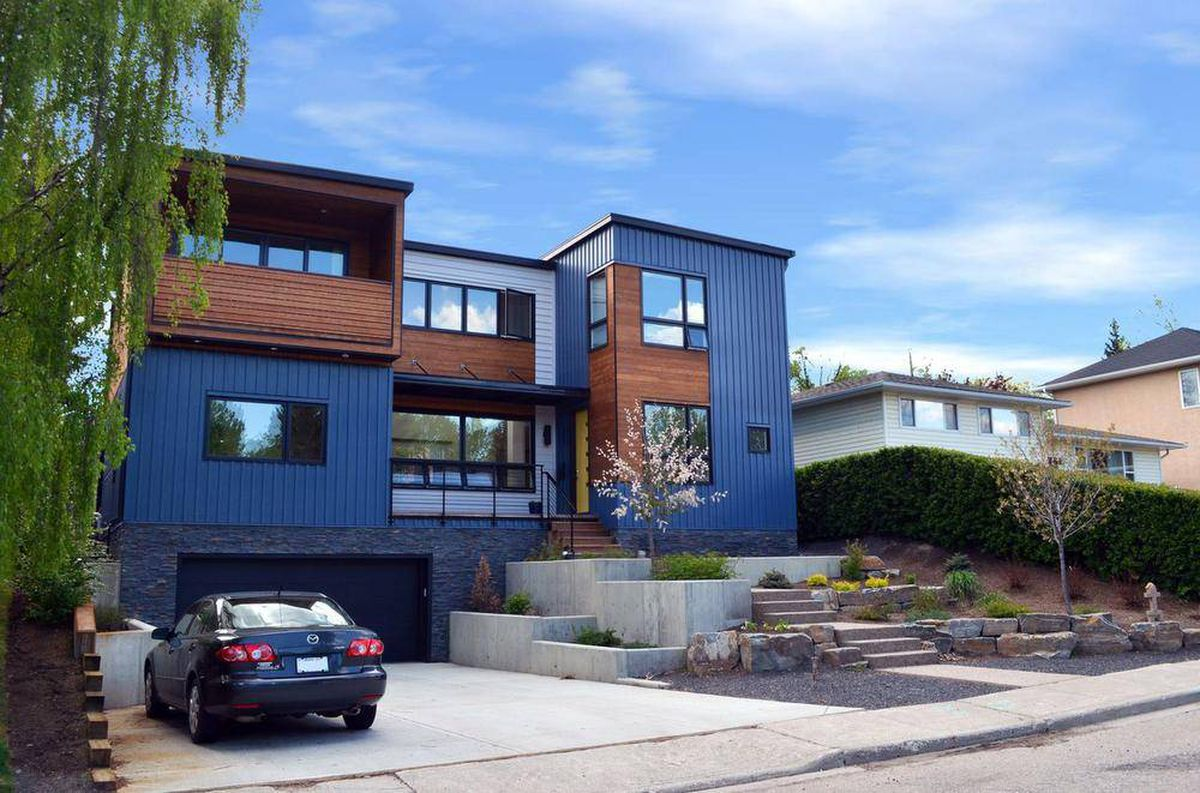 Prefab homes match a modern aesthetic the globe and mail for Pre fab modern homes