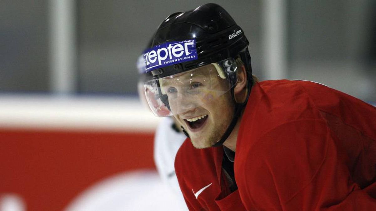 Team Canada Steven Stamkos is all smiles during a team practice Tuesday, May 11, 2010 at the IIHF world hockey championship in Mannheim, Germany. Stamkos is starting to feel better as he recovers from a possible concussion.