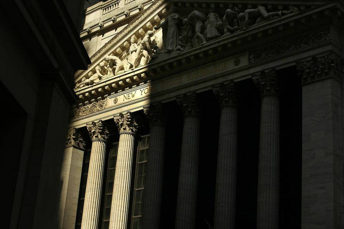 At the top of the banks' agenda is killing a controversial measure inserted into the Senate version of the bill that could force them to spin off their derivatives trading desks into separate entities.