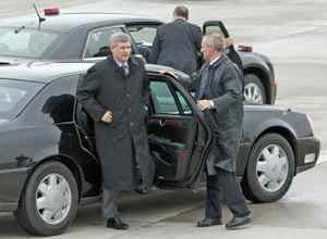 Prime Minister Stephen Harper leaves Ottawa on Thursday, November 26, 2009, for Port of Spain to attend the Commonwealth Heads of Government Meeting.