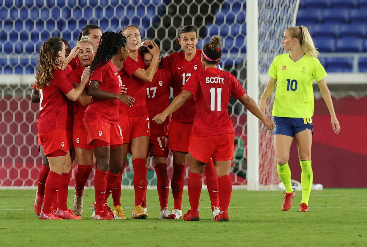 Tokyo Olympics: Canada women's soccer team wins Tokyo Olympic gold after  beating Sweden on penalties - The Globe and Mail