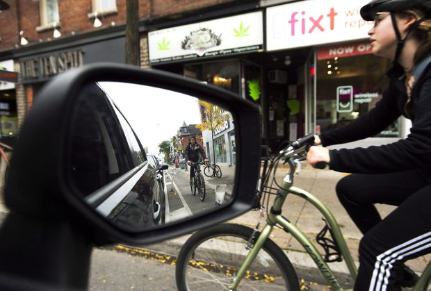 Should cyclists be licensed like people who drive cars?