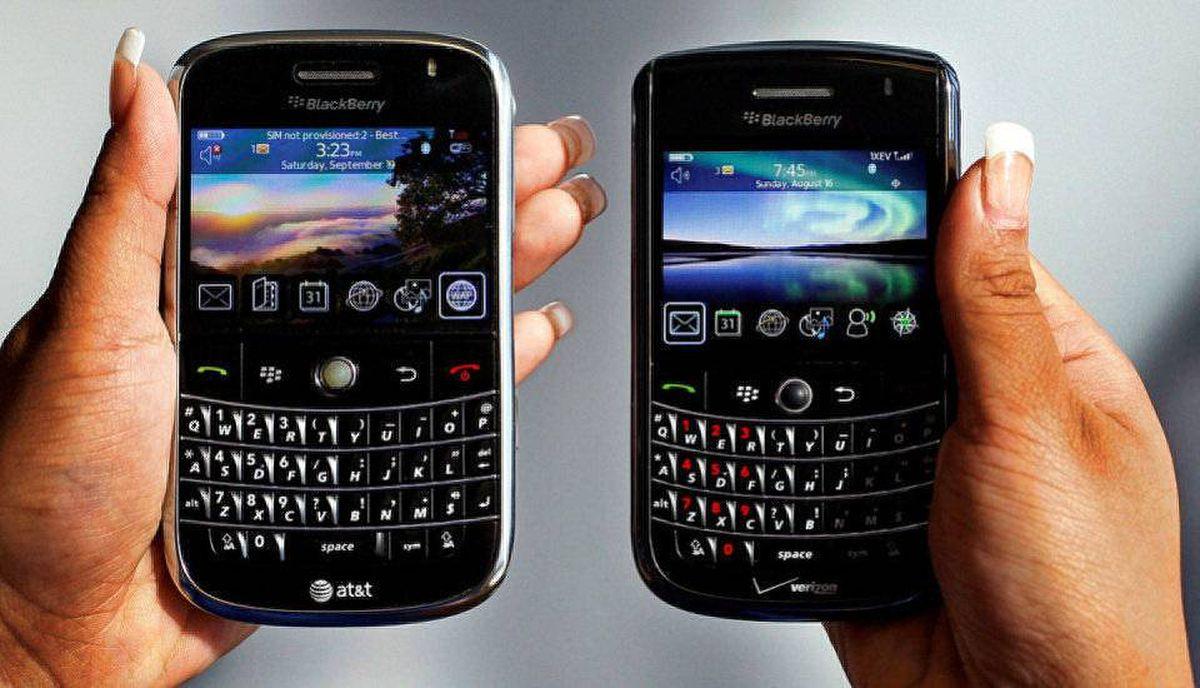 BlackBerry Bold, left, and Blackberry Tour Paul Sakuma/AP
