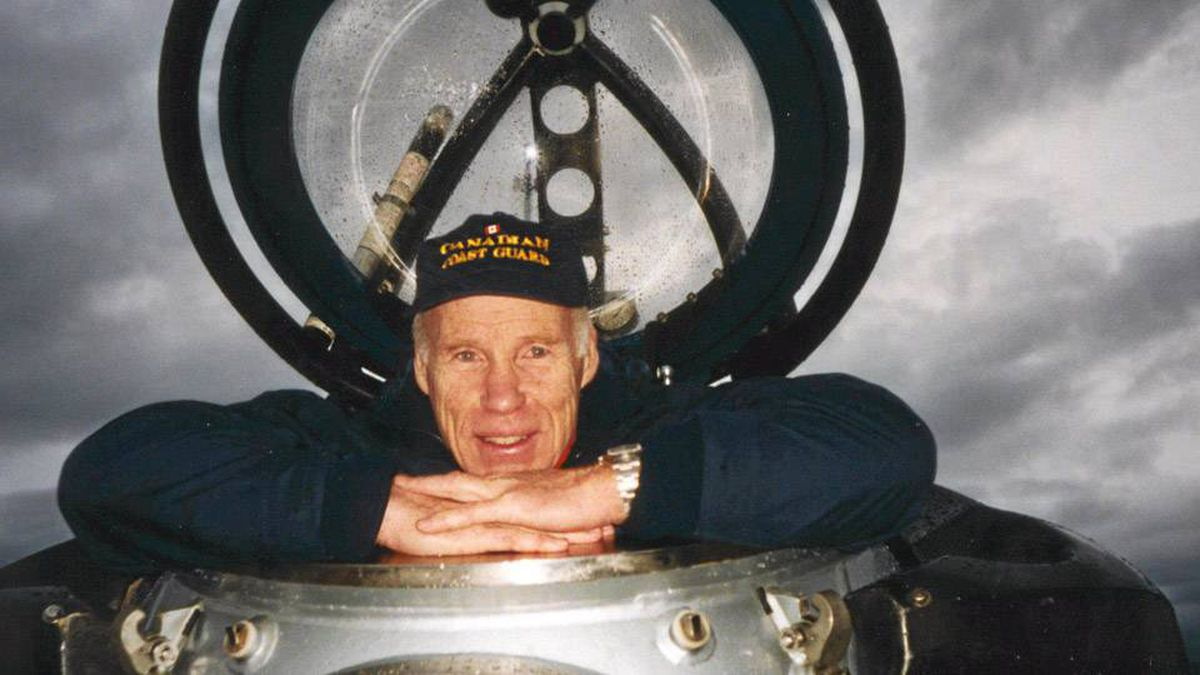 Joe MacInnis is a medical doctor, author and undersea explorer who studies leadership and teamwork in life-threatening environments from the deep ocean to outer space.