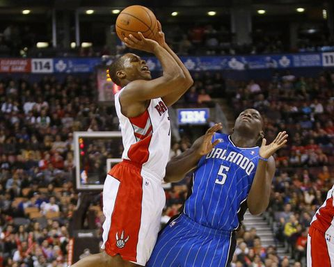 Lowry scores 28 points to lead Raptors over Magic