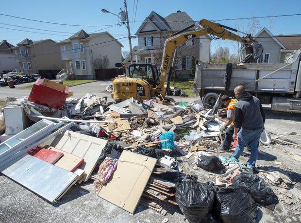 After heavy spring floods, demolition work begins in Sainte-Marthe-sur-le-Lac